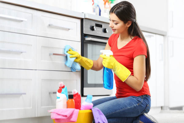 weekly-kitchen-cleaning