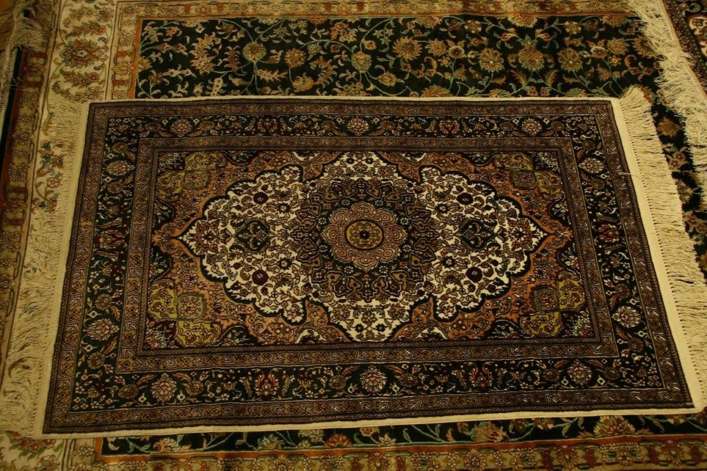Wrap up rugs and carpets