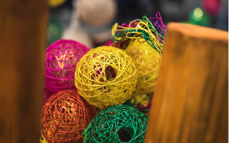 Thread lanterns